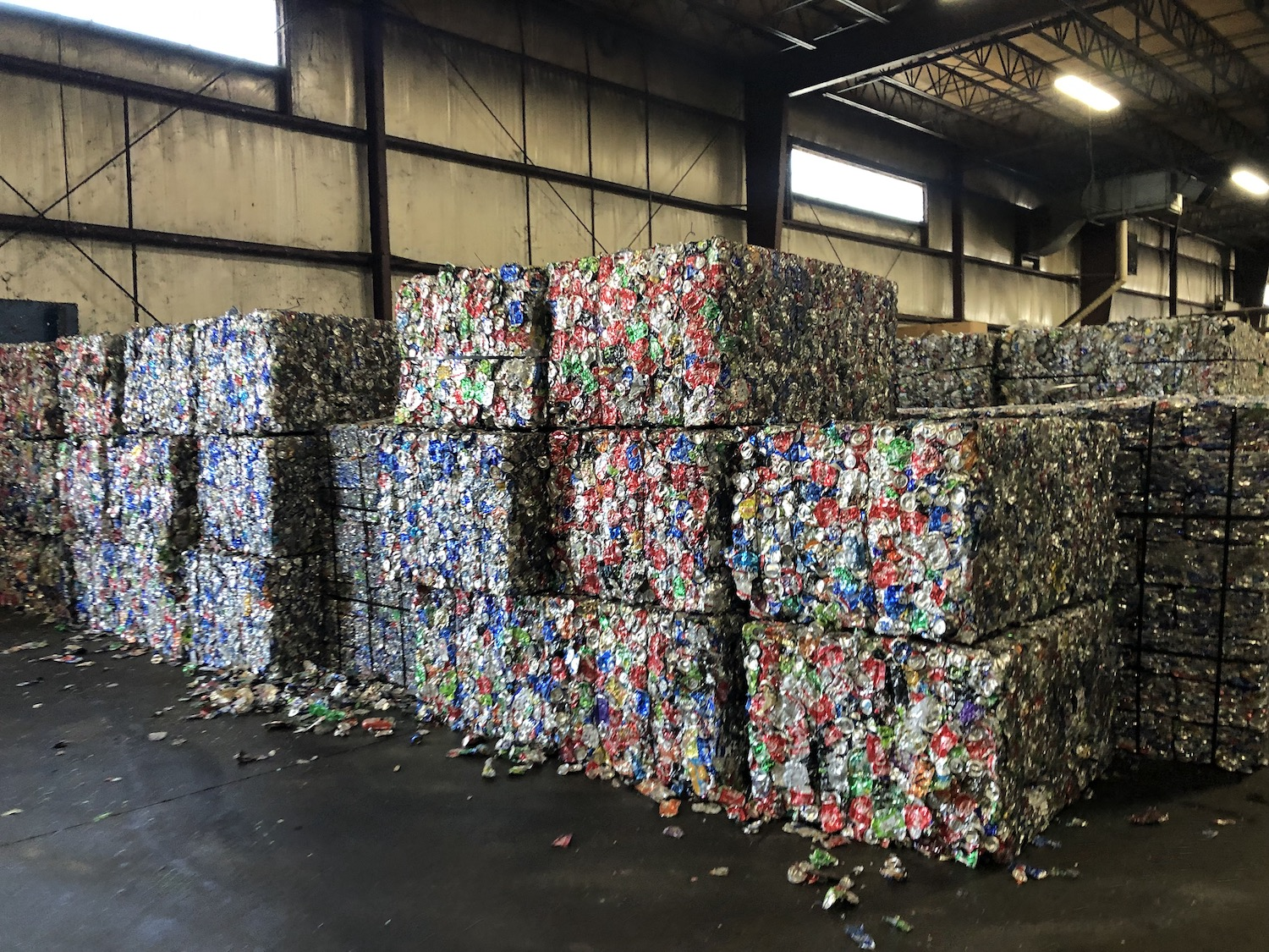Squares of crushed recycling products